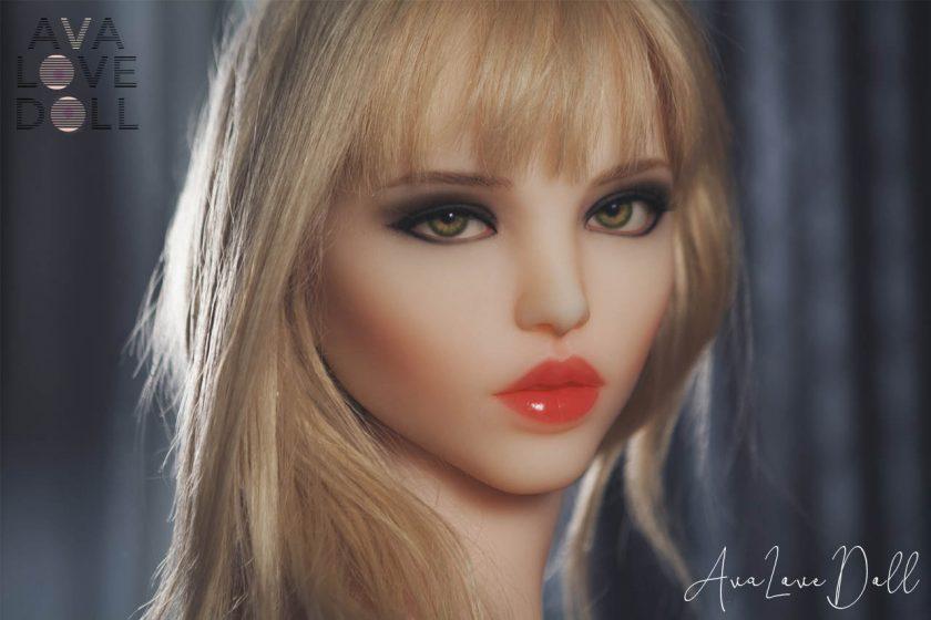 Doll Forever Shannon Visage Blonde Bouche Face